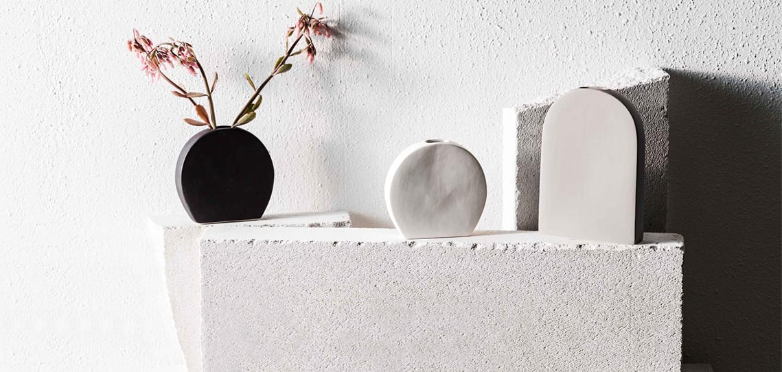 Handmade raw ceramics by ZAKKIA
